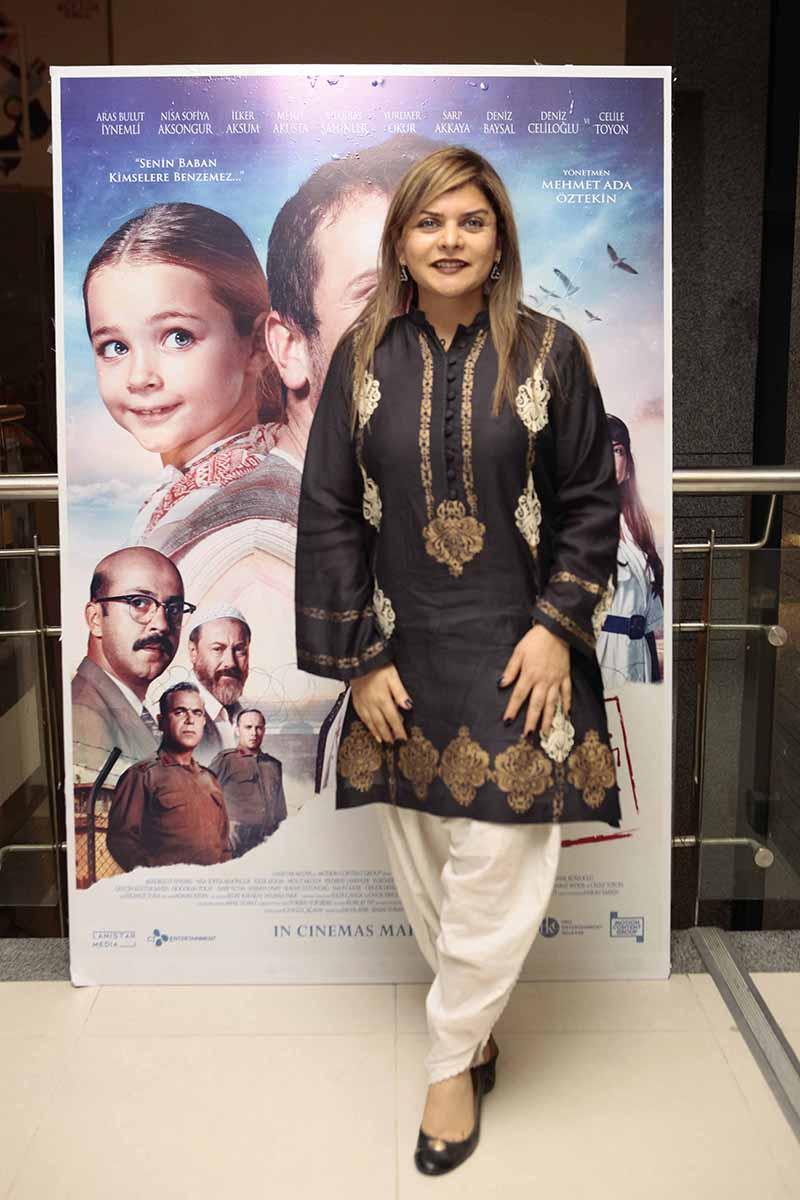 Tara Uzra Dawood graced the premiere of the Turkish Film (1)