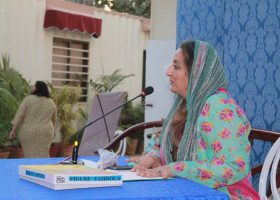 Mrs Shanaz Ramzi, CEO StarlinksPR and Events conducted a fun and engrossing session of Tambola.