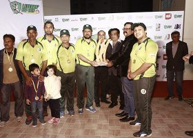 The winning team awarded with the trophy of the Legends_ cup