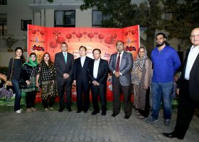 Mr. Chen Xiaodong, Acting Consul General of the People_s Republic of China was the Chief Guest and iaugurated the festival along with the organizers